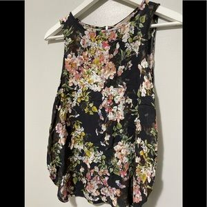 🖤3/$40▫️Forever 21 Fun Floral Tank▫️